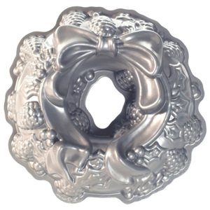 Nordic Ware Holiday Wreath Bundt®